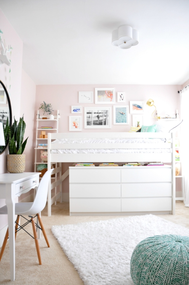 white-pink-girl-room